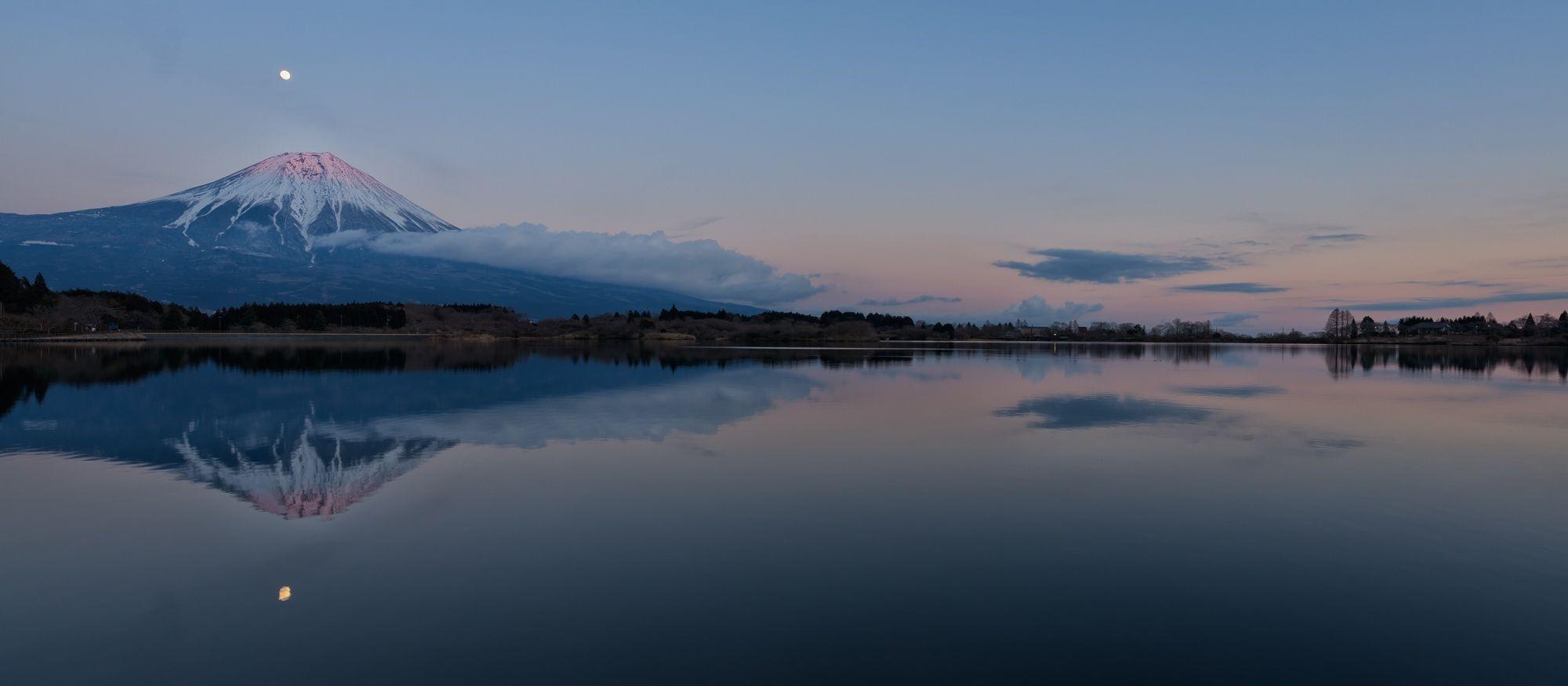 Photograph Calmness at Sunset by Yuga Kurita on 500px