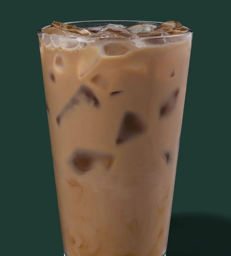 Starbucks Iced Caffè Latte #starbucks #latte #drinks