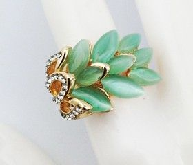 BELLA accessories - Feathered Gems Ring Mint Green