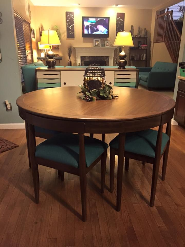 Toscano Dining Set With Images Dining Set Dining Mcm Furniture