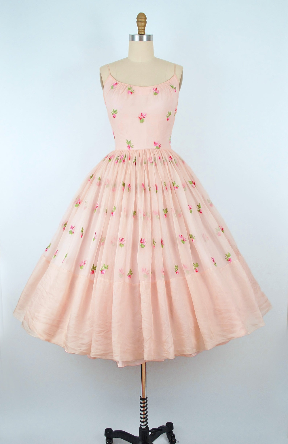 Reserved 50s Party Dress 1950s Sundress Embroidered Flowers Etsy 1950s Party Dresses Vintage 1950s Dresses 1950s Dress [ 1543 x 1000 Pixel ]