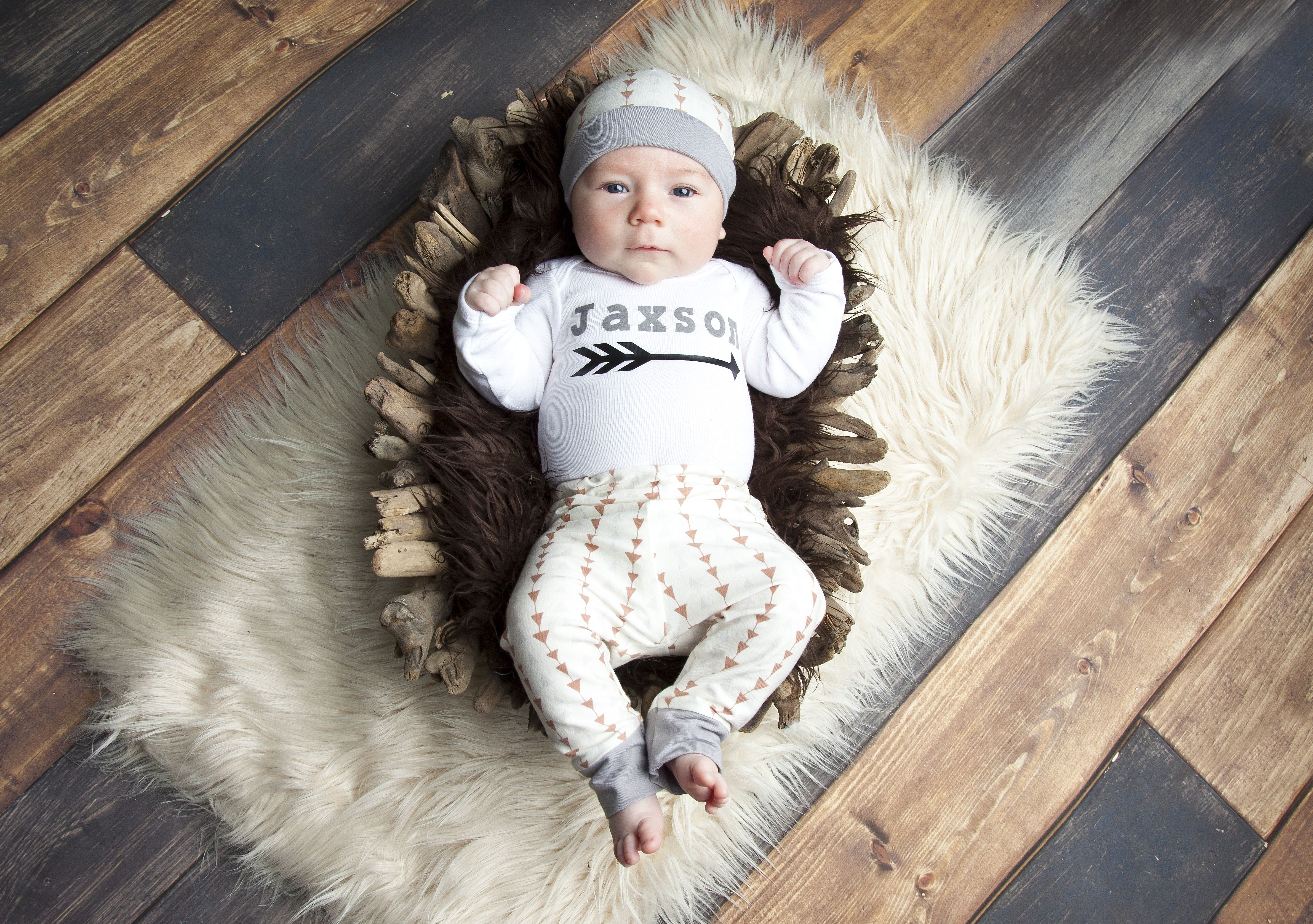 Triangle Personalized Newborn Outfit