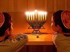Traditional Hanukkah Songs | Reform Judaism