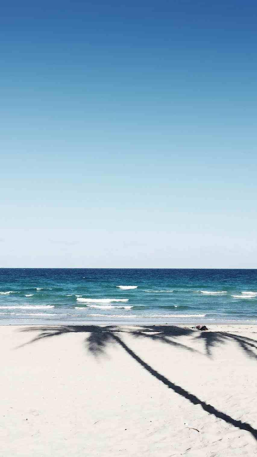 Pin By Nafz On Blue Beach Tumblr Beach Wallpaper Beach Wallpaper Iphone