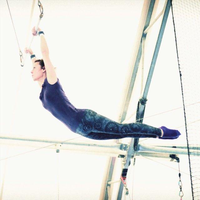 Still love my @bombsheller tights so much!  #trapeze #tsnydc #tsny #circuslife #bombsheller #gears
