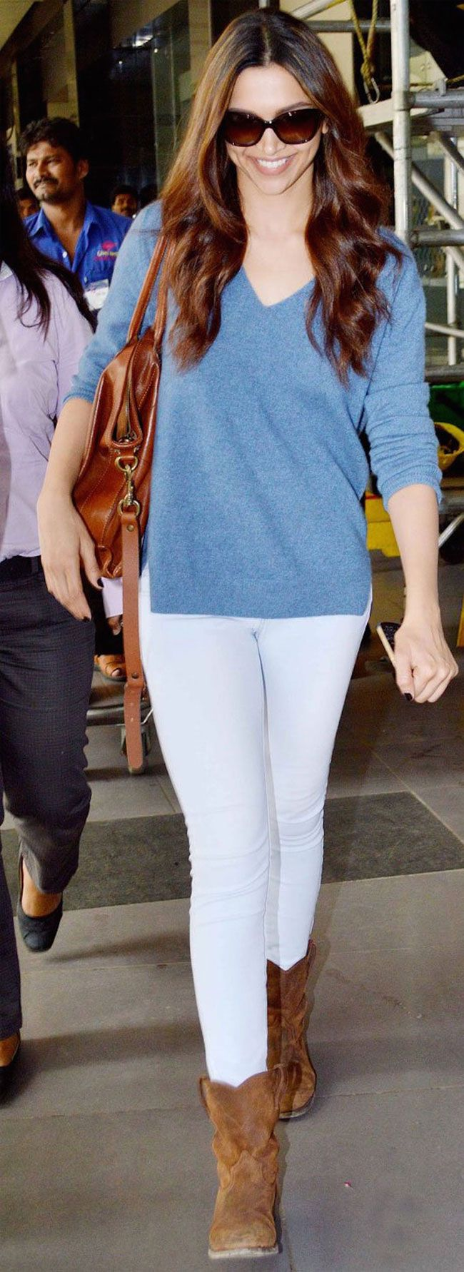 Top 10 Bollywood Actress In Casual Dresses Sheideas Winter Outfits Deepika Padukone Style Casual Chic