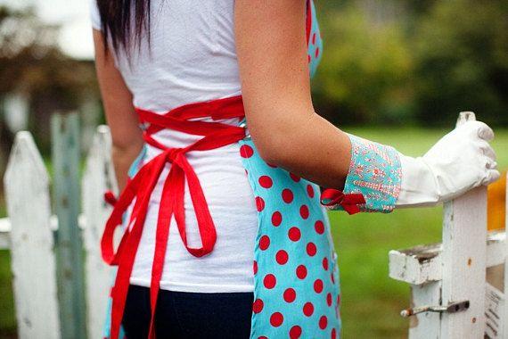 The Palooza Apron sewing pattern and a dish glove tutorial ...