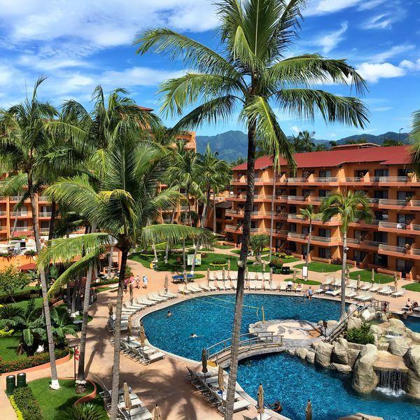 Vacation Resort in Hotel Zone Puerto vallarta resorts