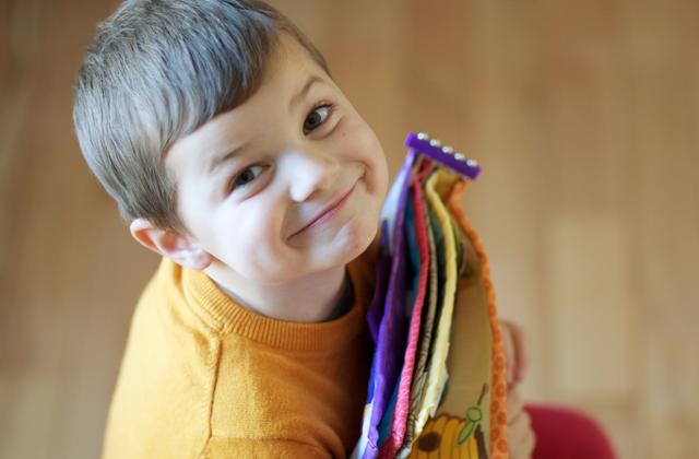 [dandee] Toddler crafts, Quiet book, Parenting