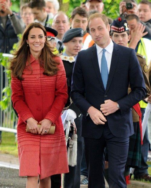Kate Middleton Wardrobe Malfunction: Underwear and Bare