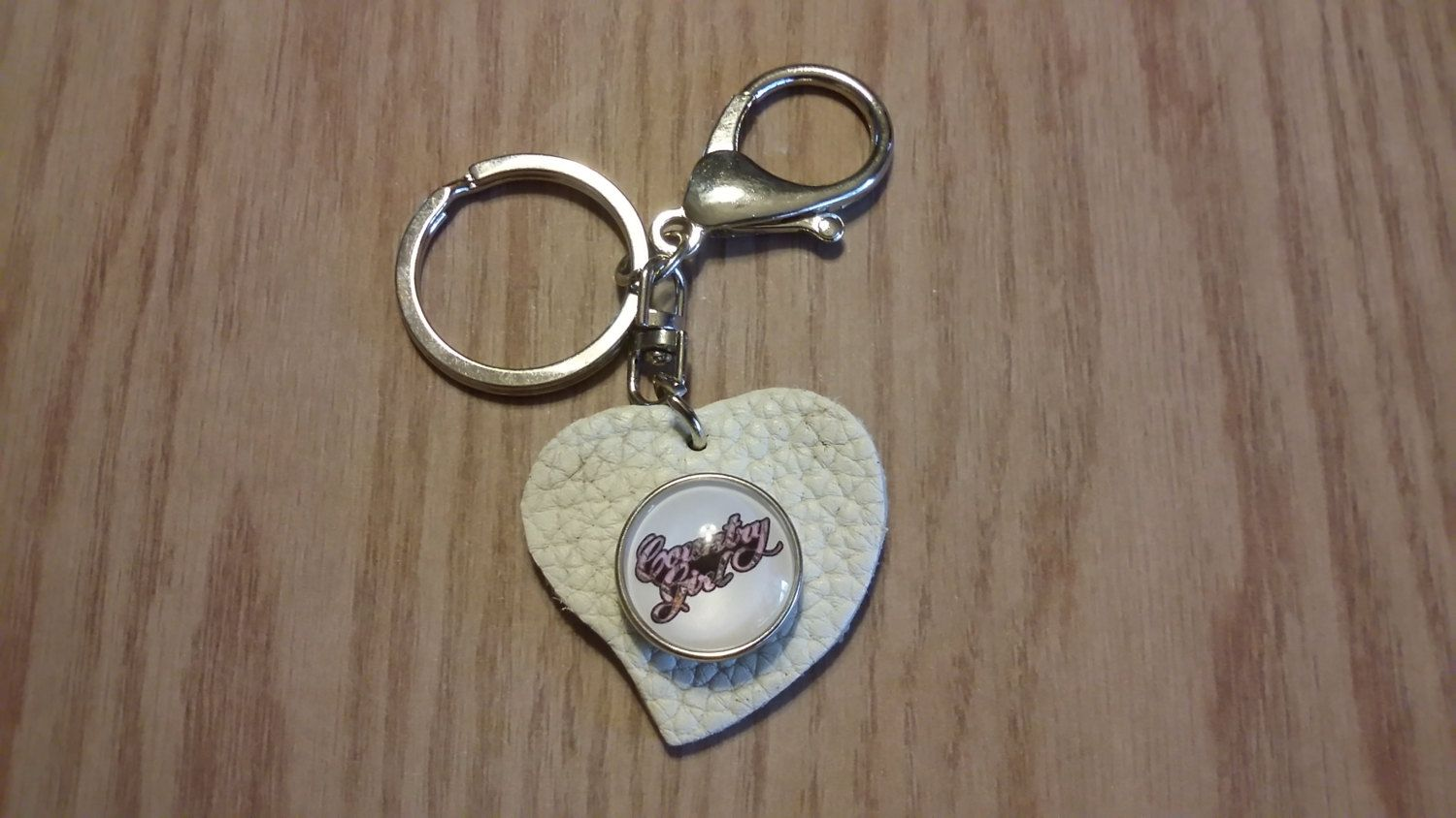 """White heart snap keychain with """"country girl"""" pink camo snap..camouflage country by CamoAndAmmoBoutique on Etsy"""