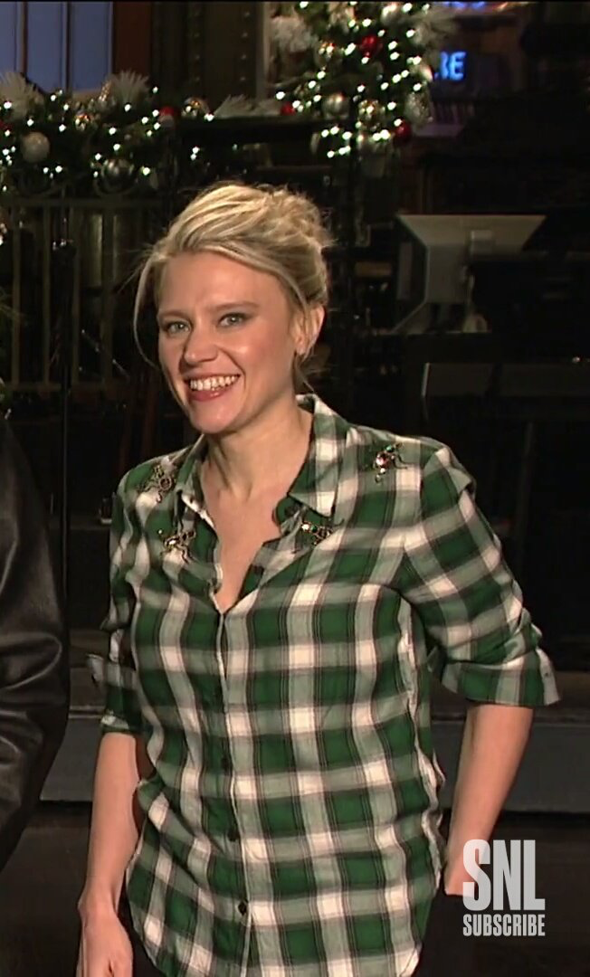 Snl Christmas Special 2019.She S Literally Just The Cutest Drool Worthy In 2019