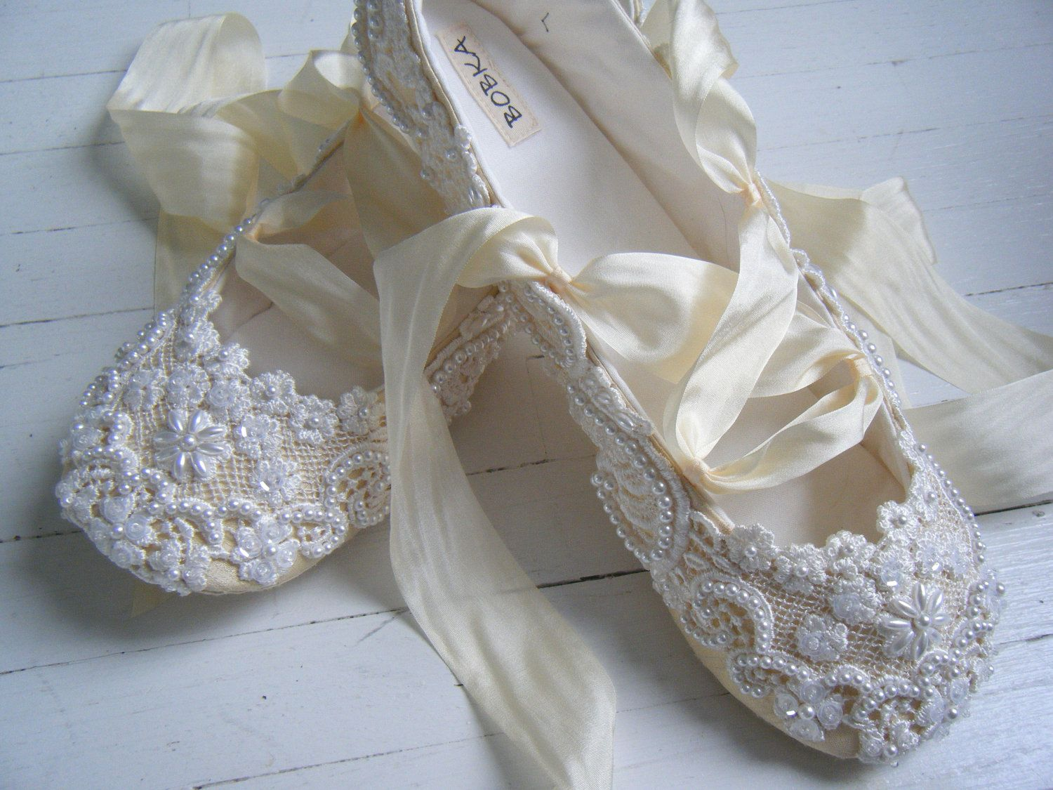 17 Best images about Bridal Shoes on Pinterest | Lace shoes ...