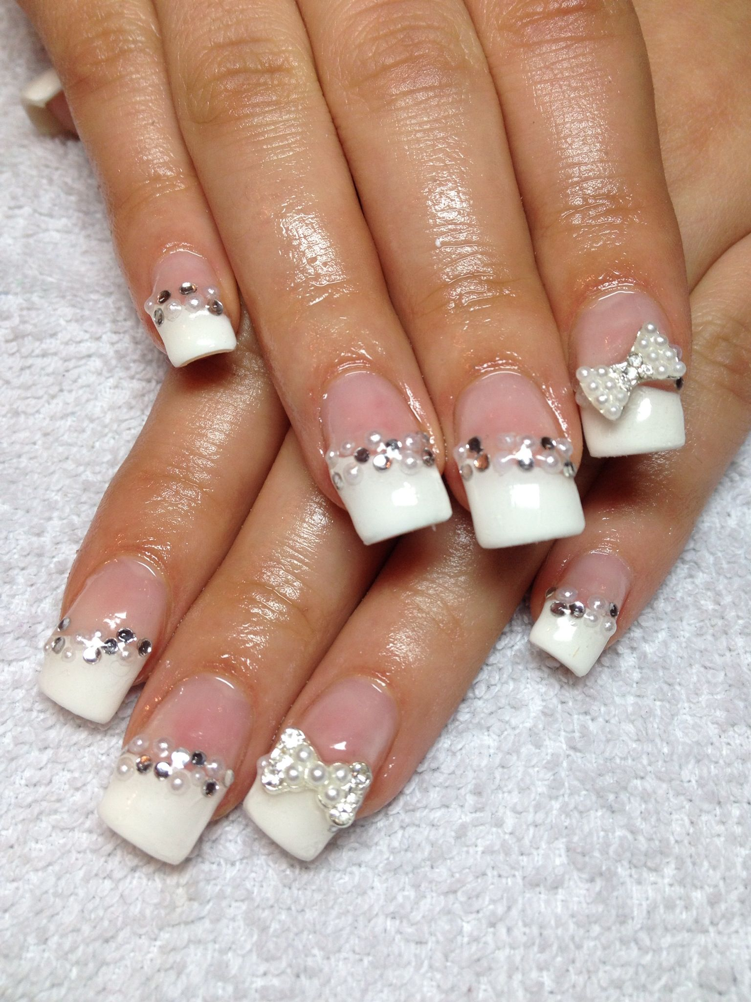 Gel Nails French Tip With Bedazzled Art With Images French