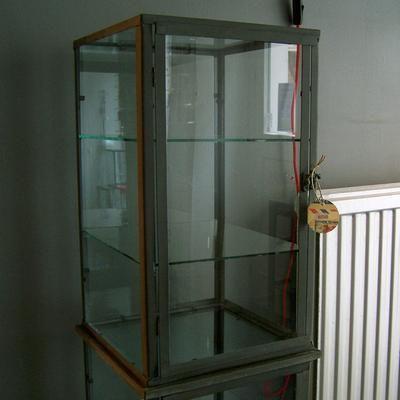 LÄKARSKÅP ZINK - Whiskey Cabinet