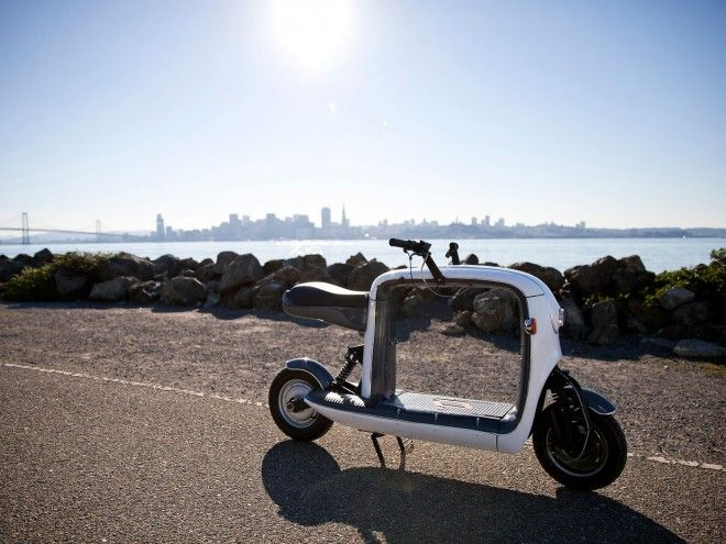 Photo of Lit Motors' Kubo Scooter Is the Ultimate Urban Delivery Vehicle