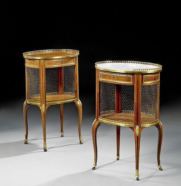 Deux Tables De Nuit Formant Paire D Epoque Transition Estampille De Roger Vandercruse Dit Lacroix Furniture Styles Antique Furniture French Furniture