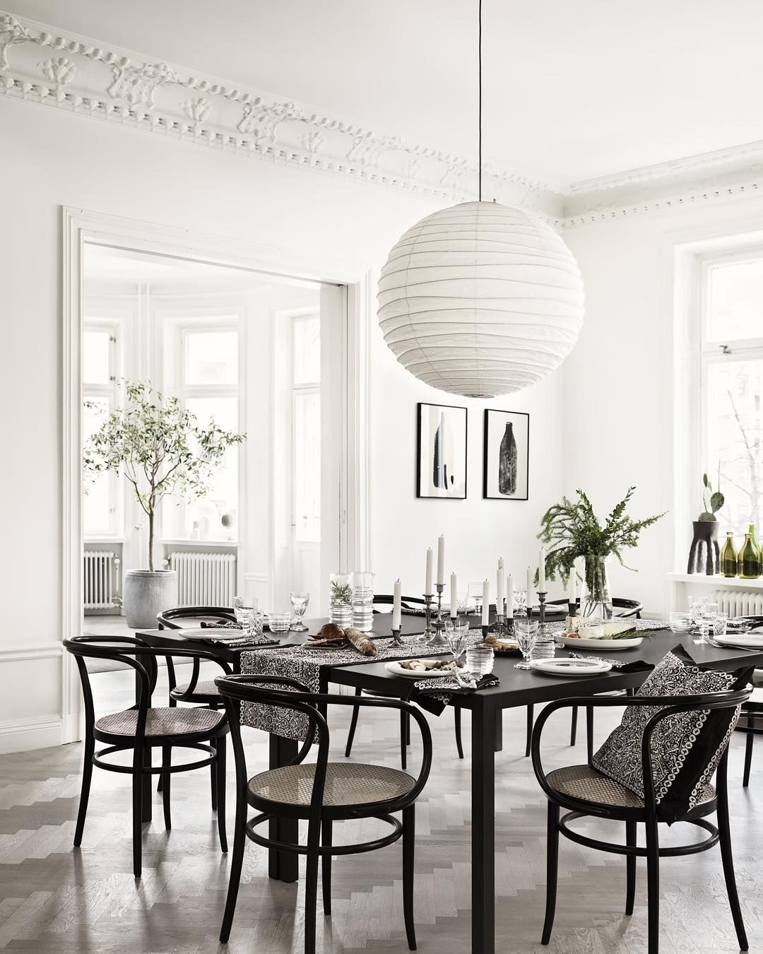 """What is better than an evening in good company // #marimekko #marimekkoaw15 // Table was set with Oiva plates and Sukat makkaralla glasses"""
