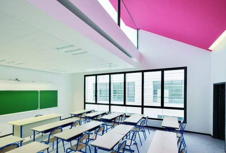 Lcole Polyvalente Claude Bernard Primary School Classroom