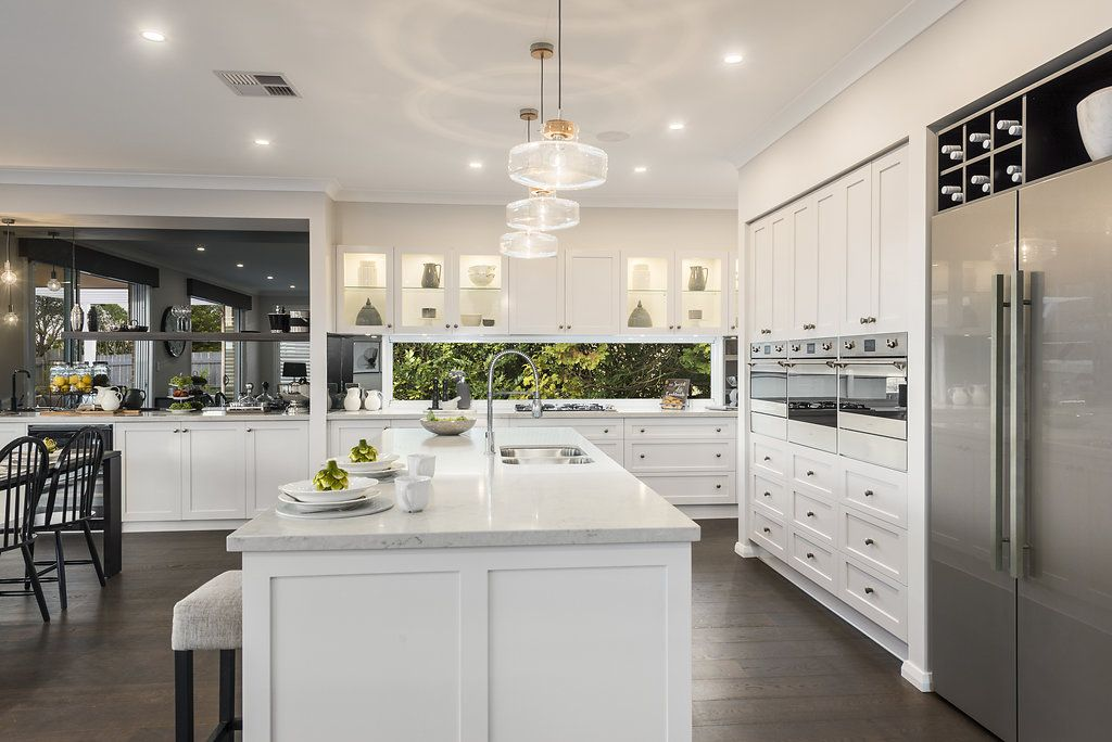 Sensational Pin By Mcdonald Jones Homes On Gourmet Kitchens In 2019 Squirreltailoven Fun Painted Chair Ideas Images Squirreltailovenorg