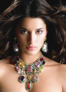 Hollywood Swarovski Crystal Necklace Set  Swarovski  Necklace  Adverts.ie  Schönes Gesicht 07b4c0b54ae3