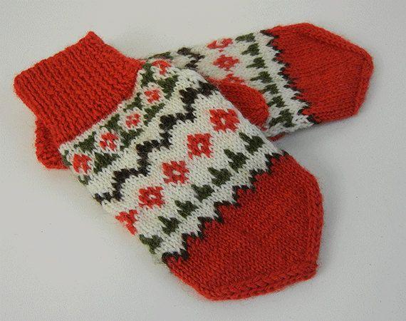 Vintage Handknit Mittens / Wool Snowflake Fair Isle Mittens Red ...