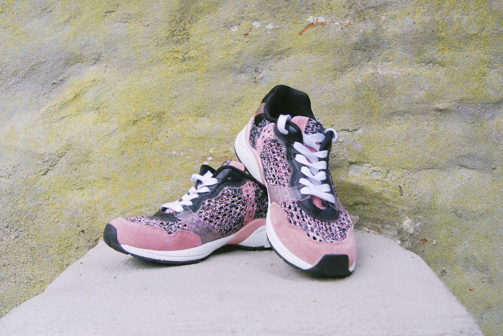 Sportieve sneakers van de Zara voor 15,- in maat 39  Interesse? Mail dan naar jacobien@prinsenenprinsessen.com, of kom langs in onze winkel. Woe t/m vrijdag 10.00 -17.00 en Za 12.00-17.00 #prinsenenprinsessen www.prinsenenprinsessen.com
