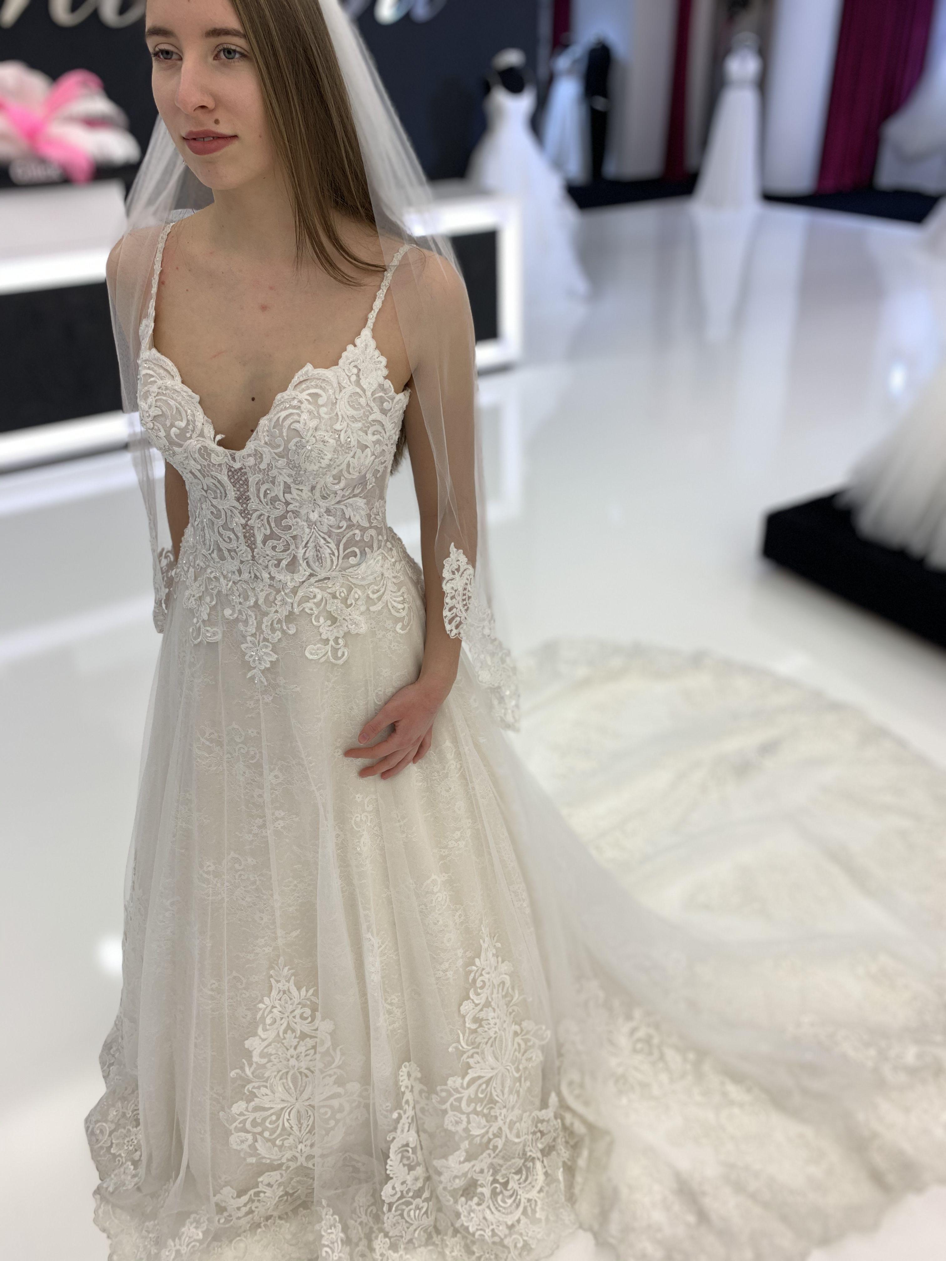 Unser Kleid Der Woche In 2020 Kleid Hochzeit Kleider Hochzeitskleid Spitze