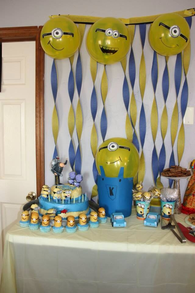 077b16c19 Idea para decorar tu fiesta de cumpleaños Minions. Minion party ...
