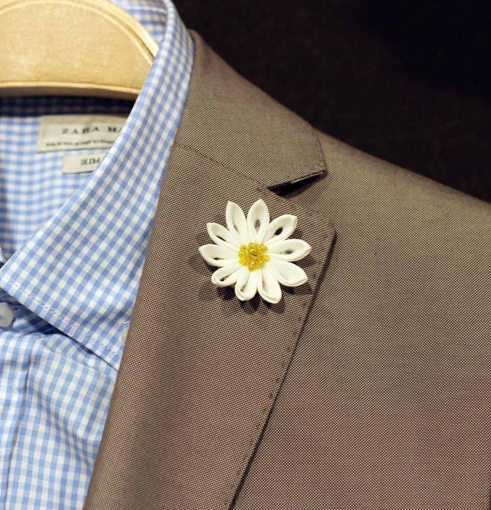 Linen daisy flower lapel pin, Mens lapel flower Boutonniere, Wool Felt Lapel Flower pin, rose boutonniere, flower lapel pin, mens gift, by Nevestica on Etsy