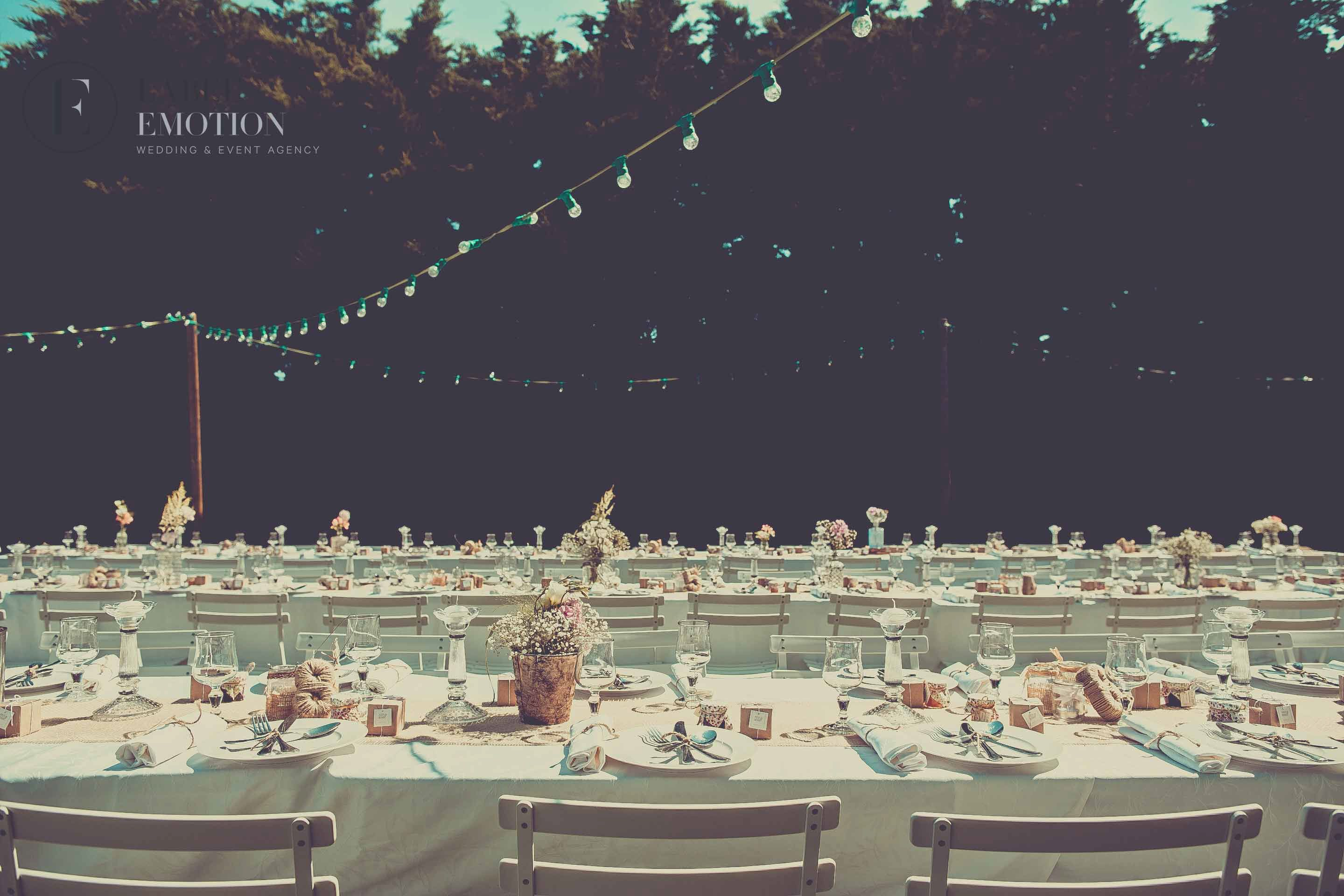 Retro wedding decoration by label emotion provence wedding event retro wedding decoration by label emotion provence wedding event agency vintage table for junglespirit Choice Image