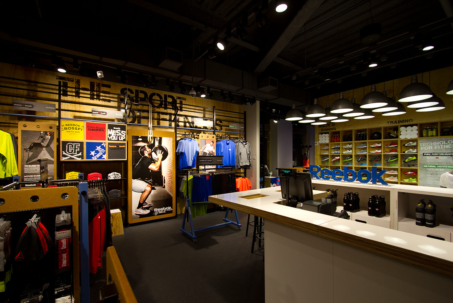 reebok fit hub store crossfit gym opens in new york city interior design shops nyc FitHub in NYC. FitHub in NYC Gym Interior, Retail Experience, Crossfit Gym, Store  Design ...