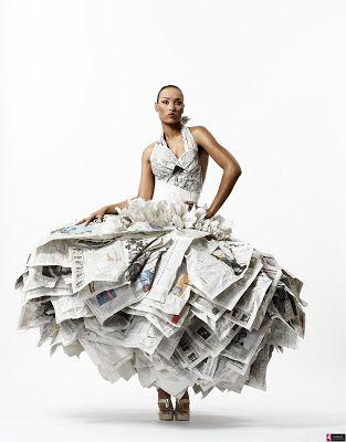 aab71f19cb vestidos reciclados con papel periodico