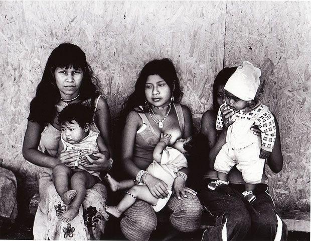 Imagens da fotógrafa Rosa Gauditano integram a mostra Tão Perto Tão Longe, que integra fotos e desenhos crianças de tribos Guarani (Foto: Divulgação)