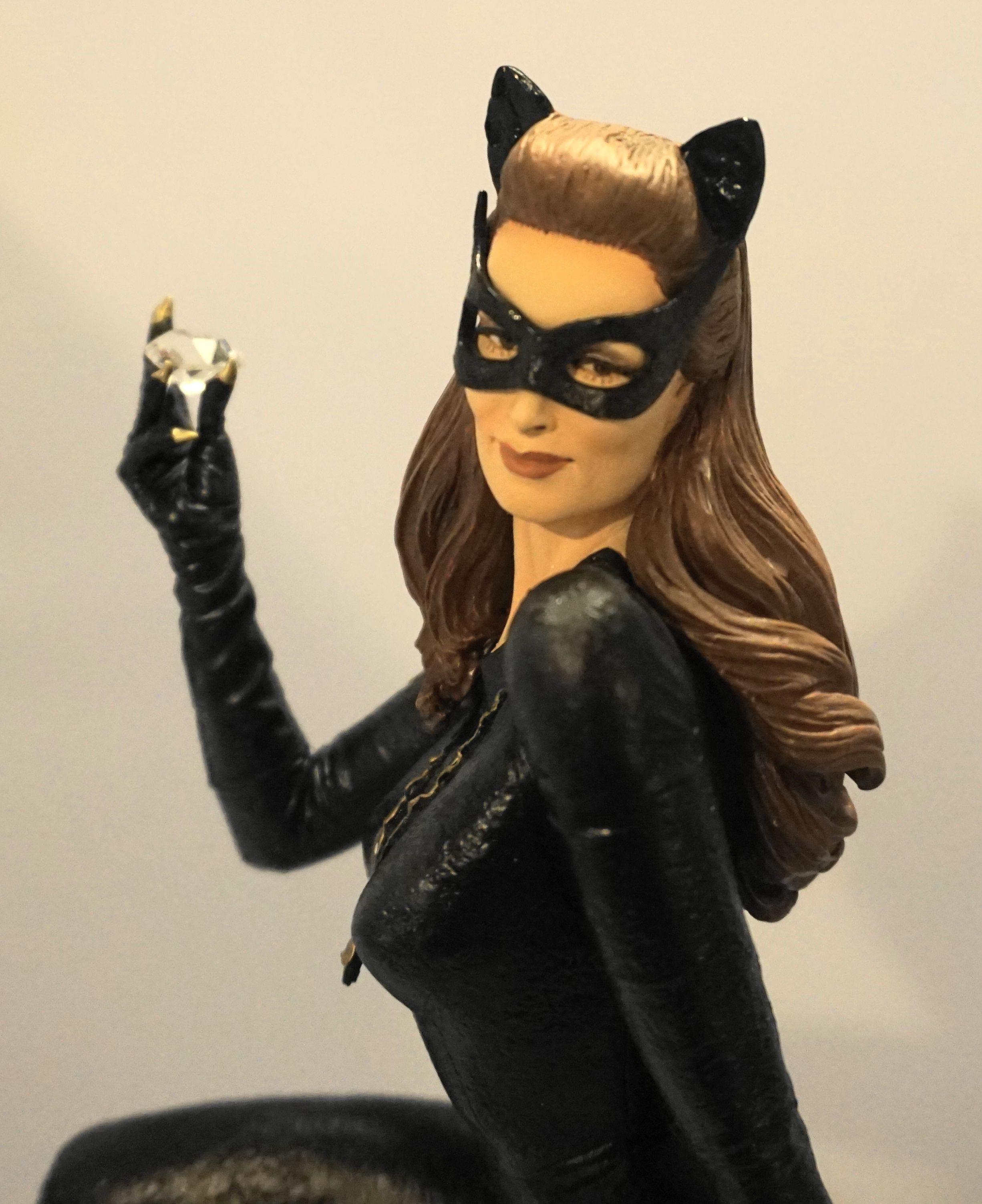 Batman Classics Julie Newmar as Catwoman Maquette