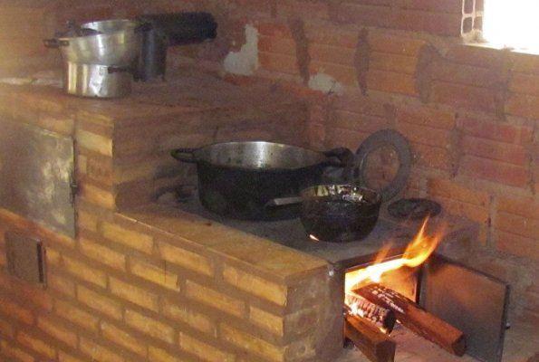 Resultado de imagen para cocinar a le a estufas cohetes - Cocinar en horno de lena ...
