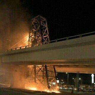 #LaRealNoticia Video: Segundo Incendio Misterioso en Hermosillo Ahora en el Puente Morelos http://ht.ly/Z1t5y