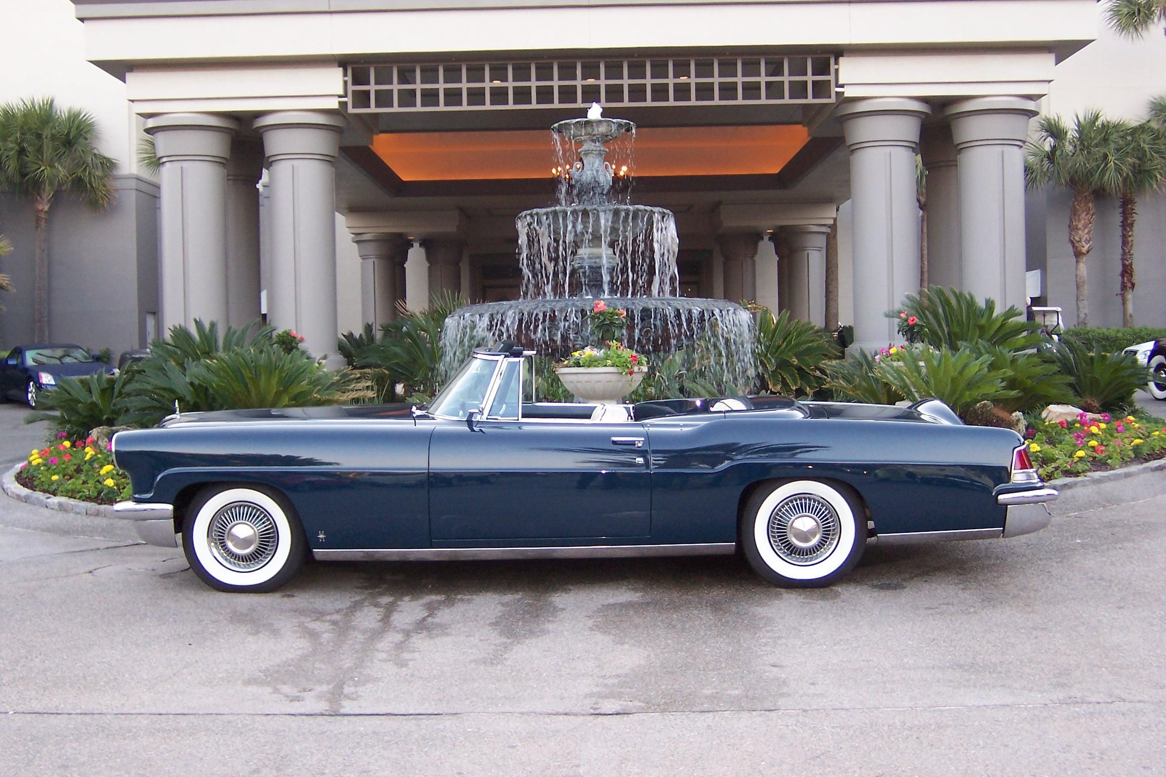 1956 lincoln continental mark ii convertible moto. Black Bedroom Furniture Sets. Home Design Ideas