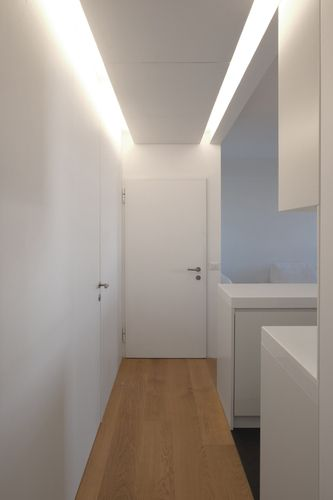 Led corridoio controsoffitto cerca con google casa in for Luci a led per casa