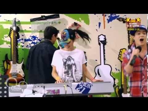 Momento Musical Violetta Rap - YouTube ( izquierda, derecha)