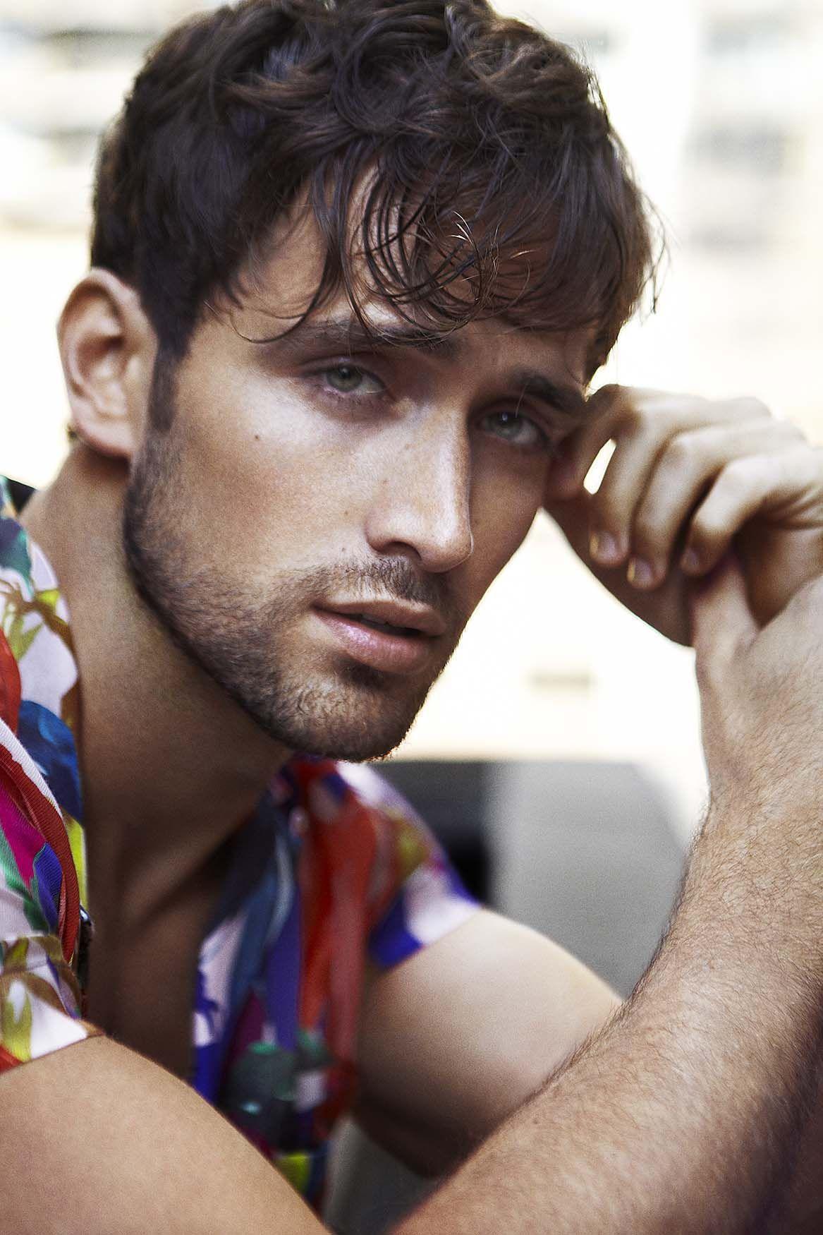 ярких фото испанских красивых мужчин поезде есть полевой