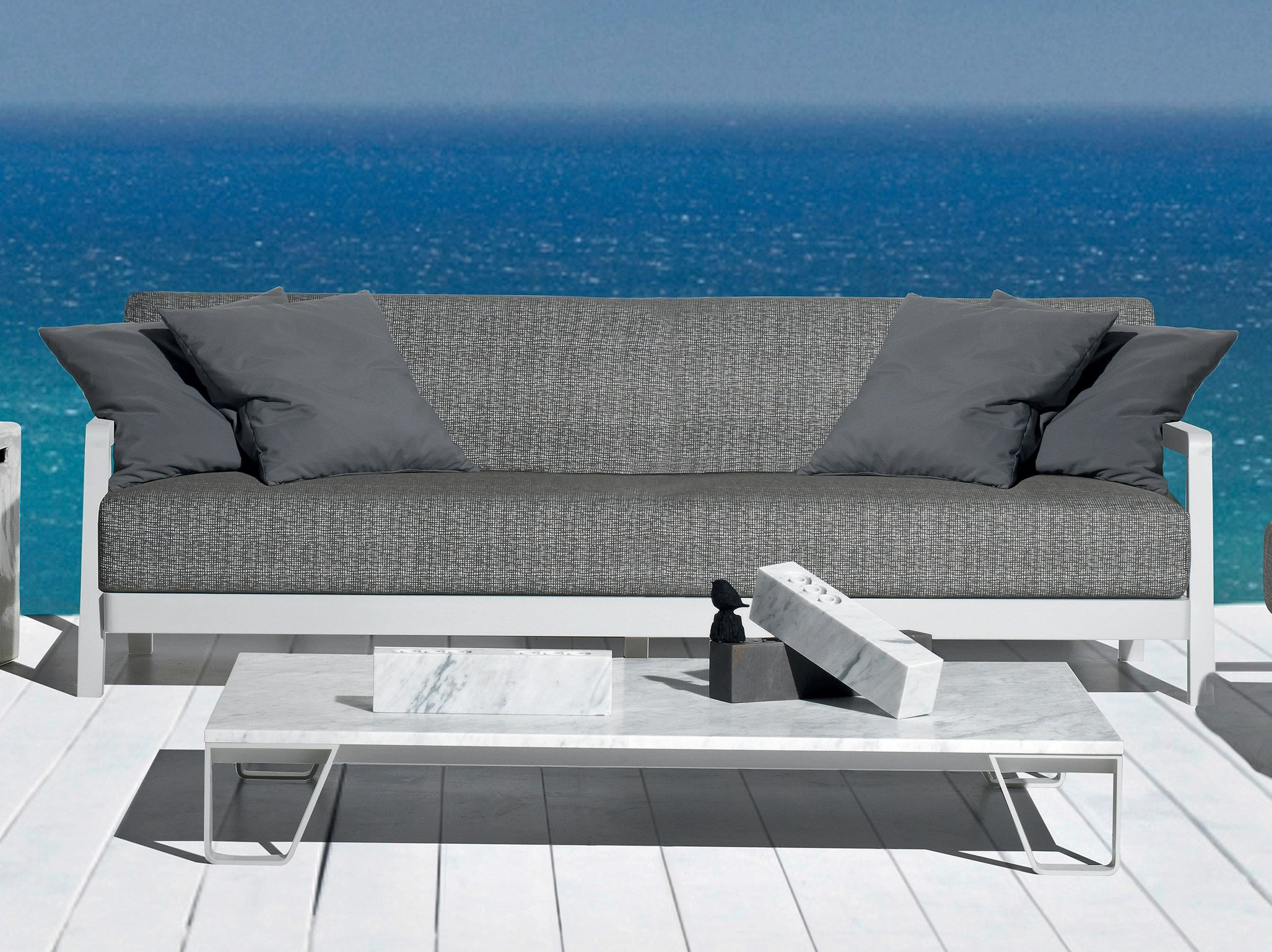 Inout 104 | Sofa, Outdoor, Sofa design