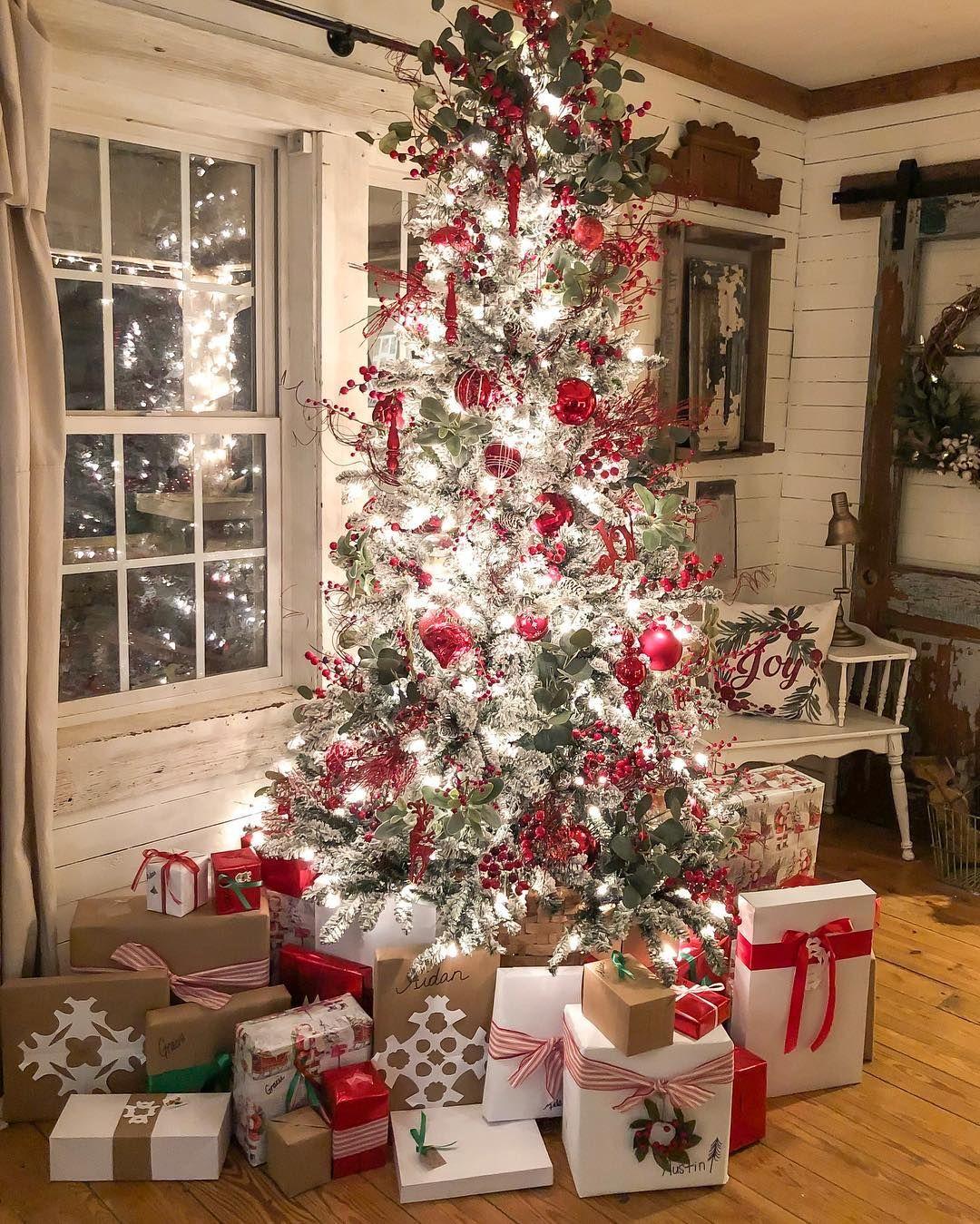 Ashley Mcalpin On Instagram Merry Christmas Eve Alabama Joycrossro Christmas House Decorations Inside Christmas Home Christmas Decorations Cheap