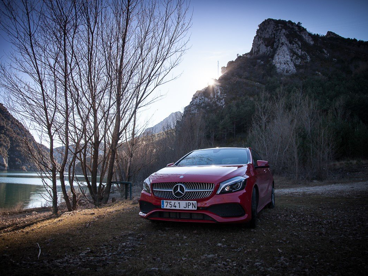 Mercedes Benz Cla Ile Surus Keyfiniz Artsin Sixt Sixtrentacar Suruskeyfi Prestij Konfor Mercedes Cla Mercedes Benz