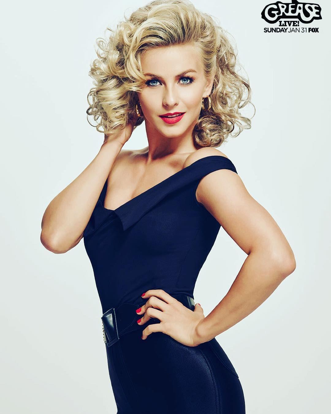 Julianne Hough looks Beautiful! #GreaseLive