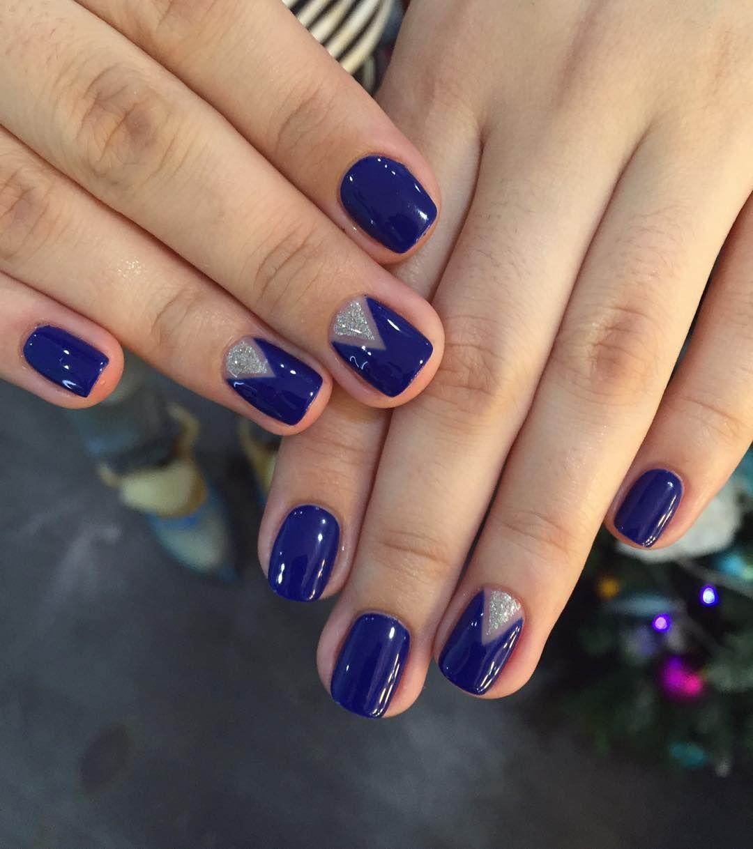Лунки голубой цвет