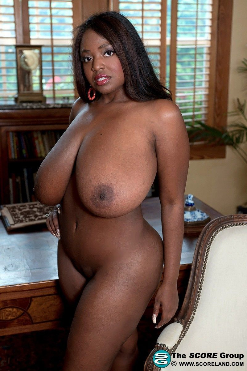 Ebony milf picked up