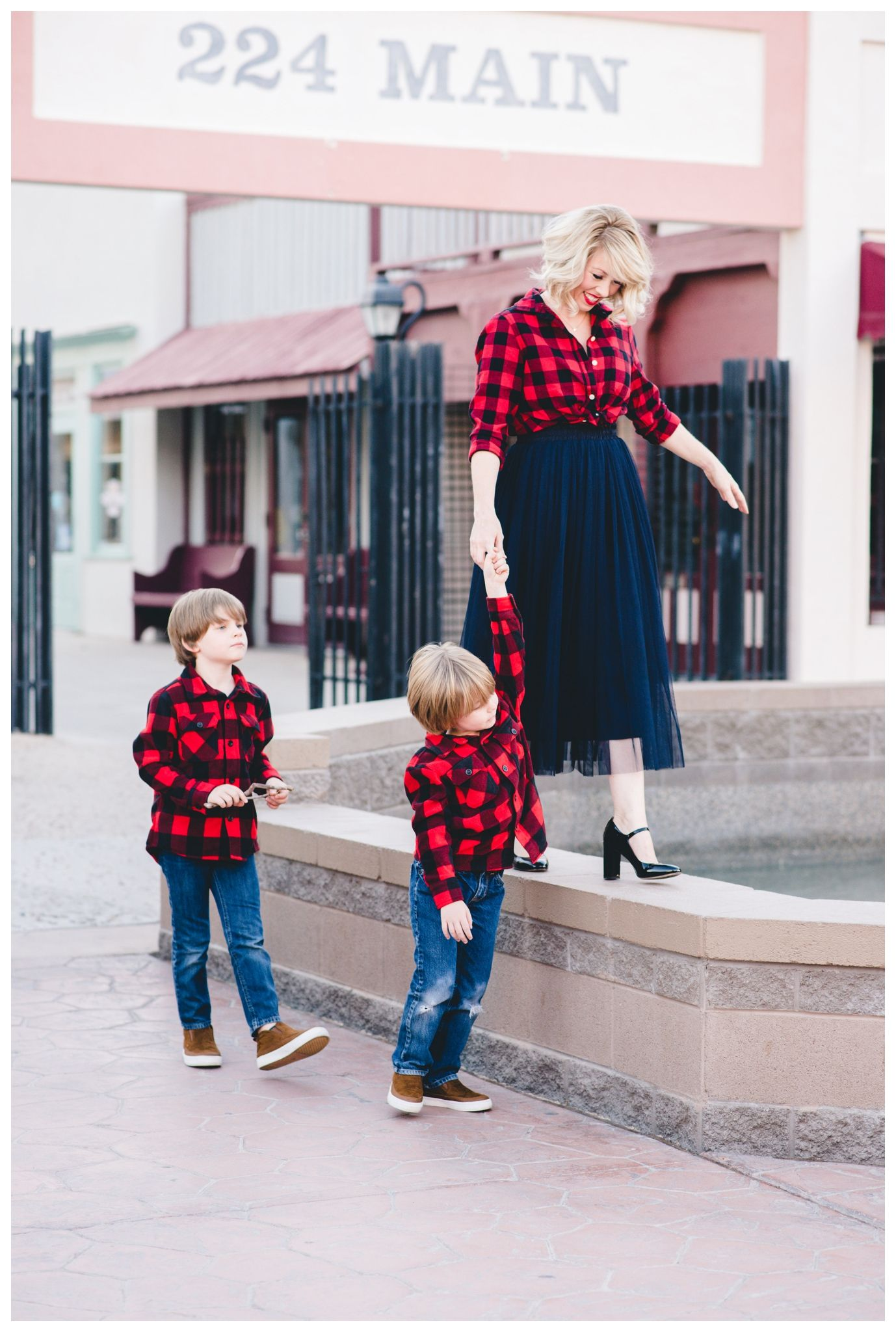 Andrea Hauck Photography Holiday Family Photos Outfit Ideas Mom And Me