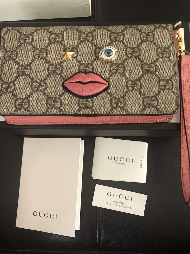 89ced00897678b Gucci GG Supreme Wristlet Clutch Wallet Limited Edition #purses #fashion
