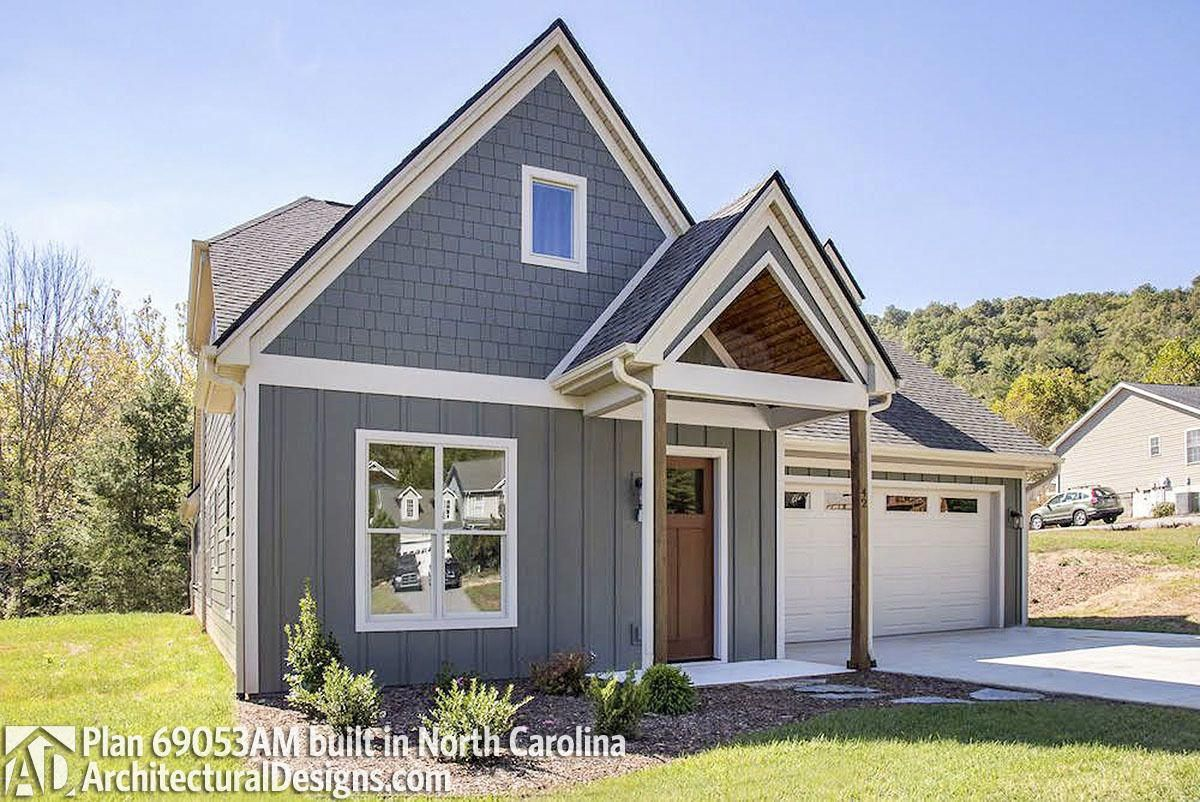 Quaint and functional craftsman home plan am architectural designs house plans also rh pinterest